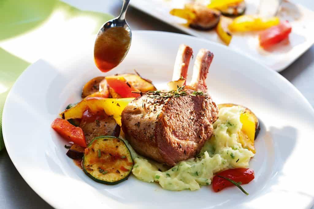 Bárányborda grillezett zöldségekkel