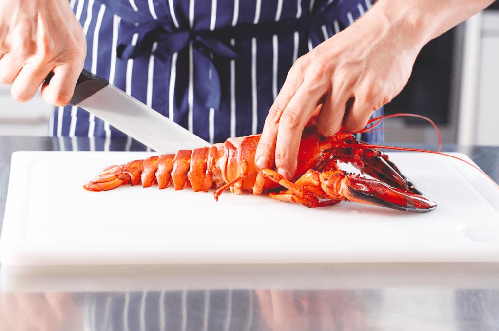 homár feldarabolása